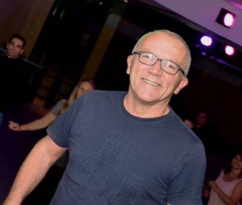 Claudio Villa, insegnante di ballo della scuola Salsa Caribe Dance.